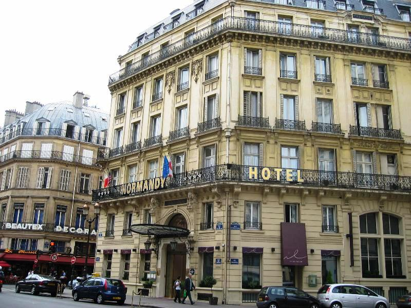 301 moved permanently for Boutique hotel normandie