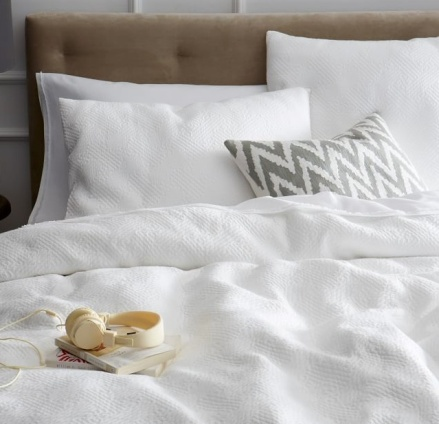 Organic_Matelasse_Duvet_Cover___Shams___West_Elm